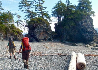 Beach-hiking-on-the-Nootka-Trail